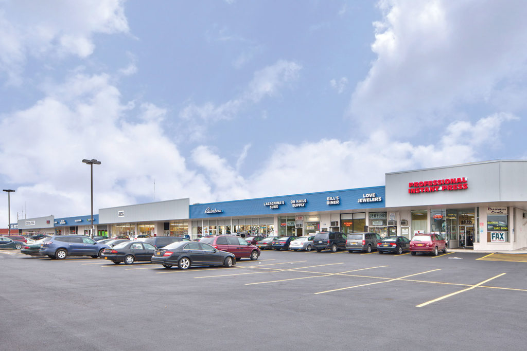 Lyell Shopping Center
